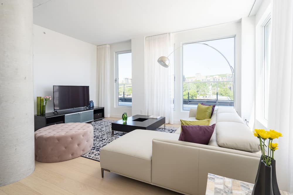 Luxury Penthouse, Multiple Beds, City View - Living Area