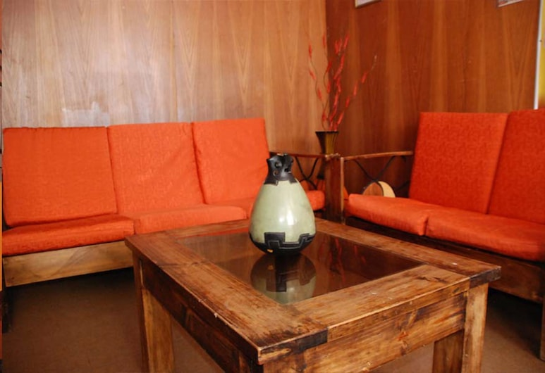 Tayka Hostel, Puno, Lobby Sitting Area