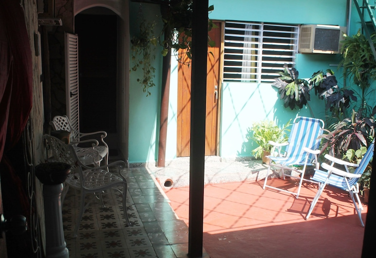 Casa Colonial Zaly, Santiago de Cuba, Terasa / vidinis kiemas