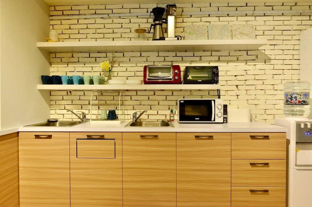 Dormitorio compartido, solo para mujeres - Instalaciones de cocina compartidas