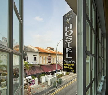 Mynd af 7 Wonders Hostel at Upper Dickson í Singapore