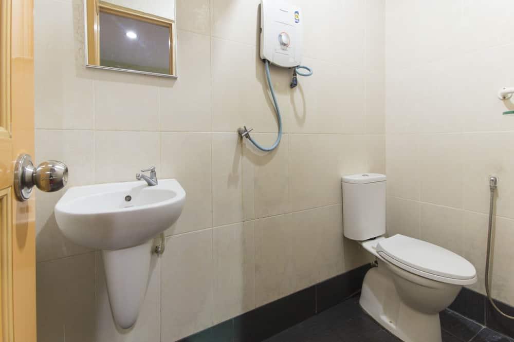 Deluxe Twin Room, 2 Katil Bujang (Single) - Bathroom