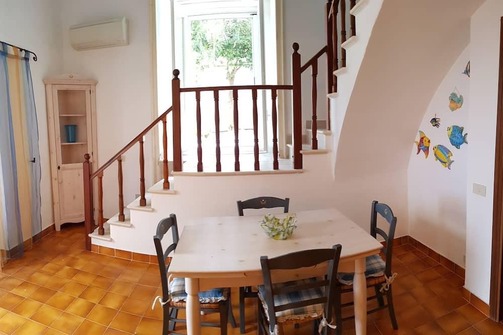 Apartment, 2 Bedrooms, Terrace (Salina) - Ruang Tamu