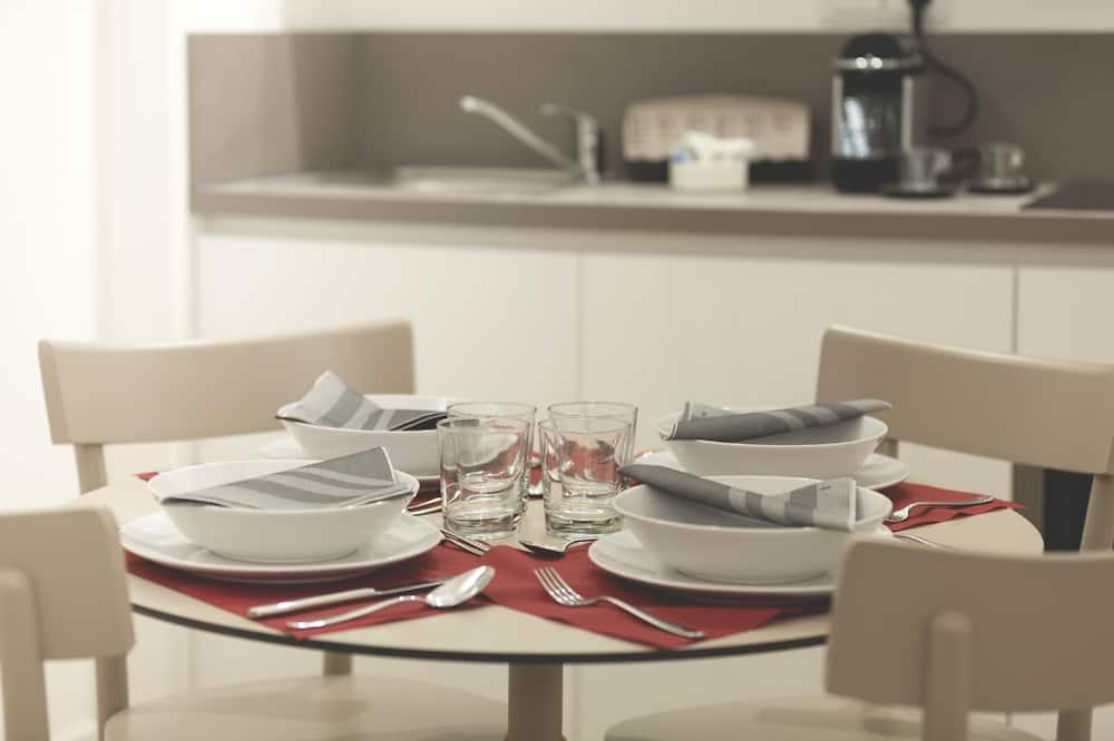 Basic Apartment, 2 Bedrooms - Ruang Tamu