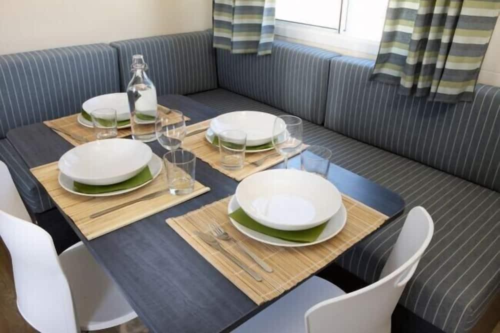 ラグジュアリー モバイルホーム ベッド (複数台) 簡易キッチン (5pax) - リビング エリア