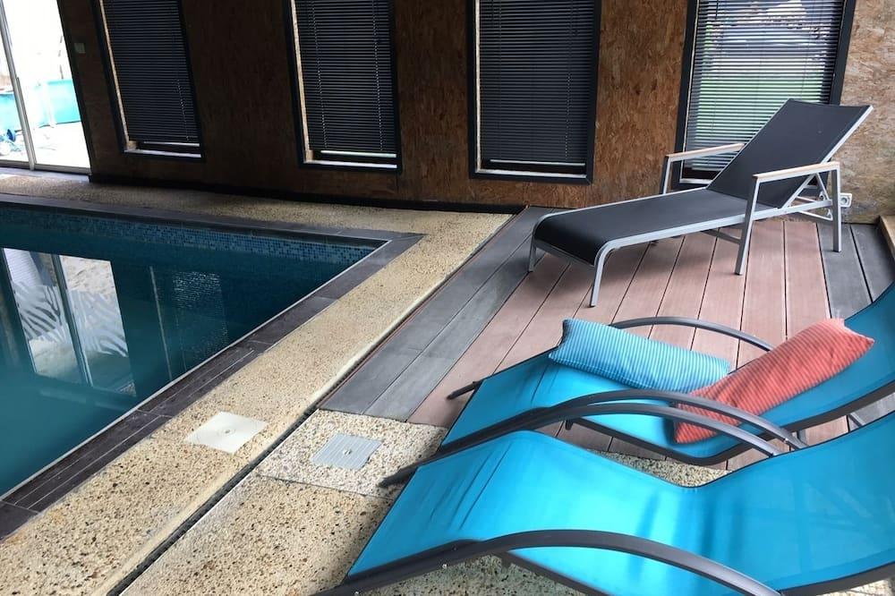 Standard Tek Büyük Yataklı Oda - Özel havuz