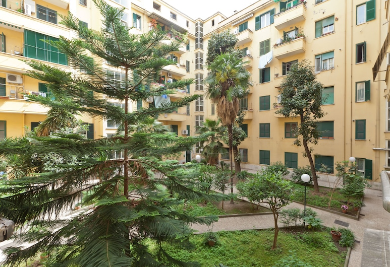 Altino - Comfortable, Quiet and Cozy 3 Bedroom, Appio Latino Area, Rome, Property Grounds