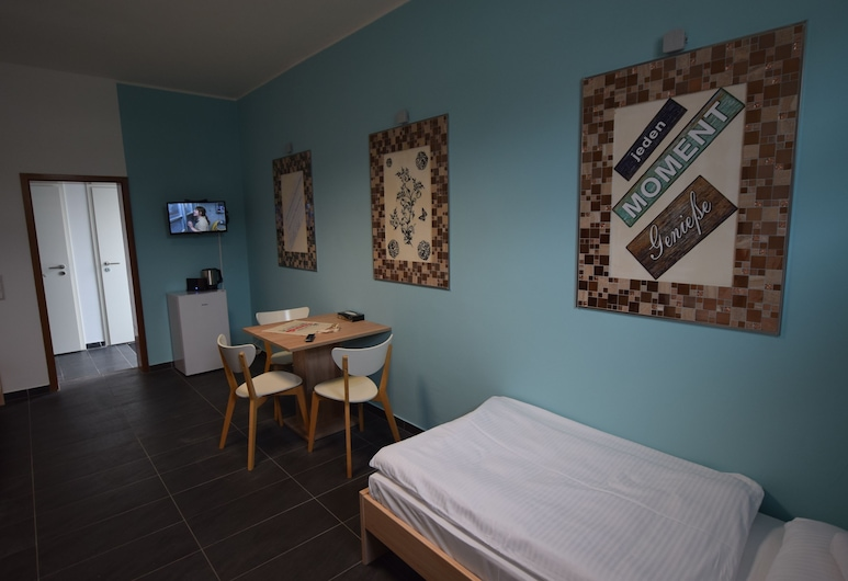 AB Apartment 94, Eßlingen, Stüdyo, Oda