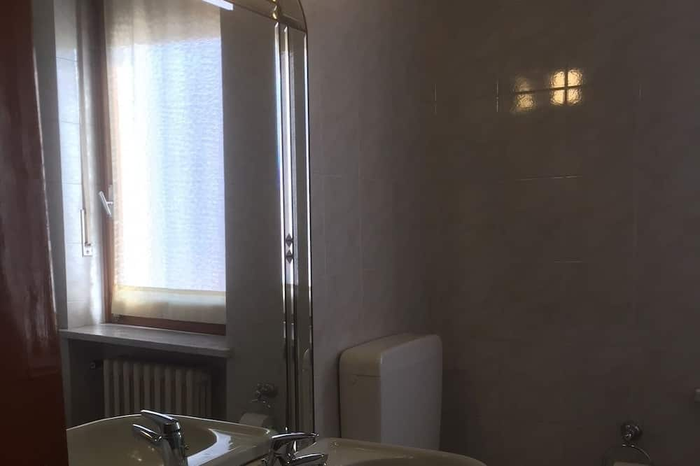 Apartamento, 3 habitaciones, balcón - Cuarto de baño