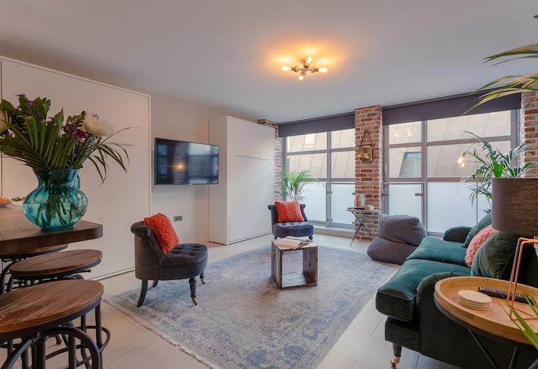 Godson Street Stylish Apartment , London, Apartment, Multiple Beds, Living Area