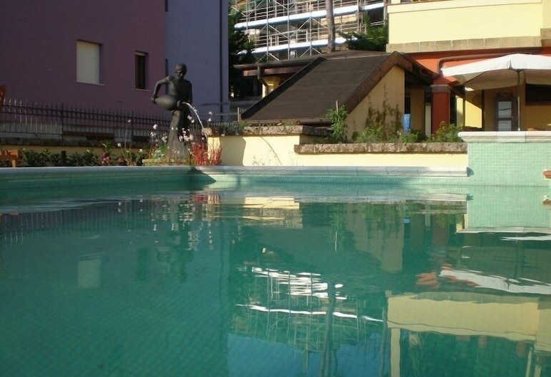 Villa Letizia, Пескара, Відкритий басейн