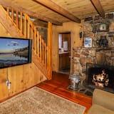Cabin, 3 Bedrooms - Living Area