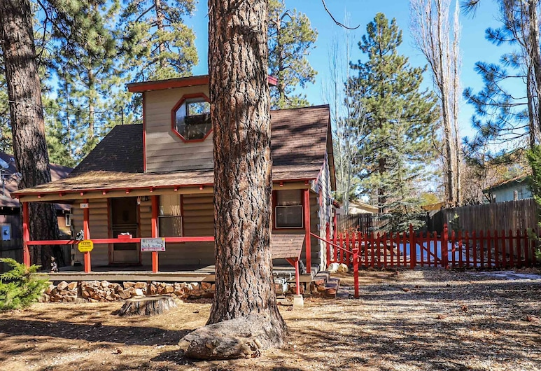 Cozy Vintage Cabin, Big Bear Lake, Cabin, 3 Bedrooms, Front of property