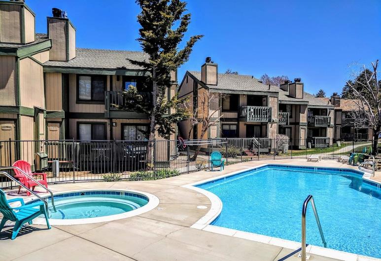 湖濱公寓式客房酒店, 大熊湖, 公寓客房, 2 間臥室, 室外 SPA 浴池