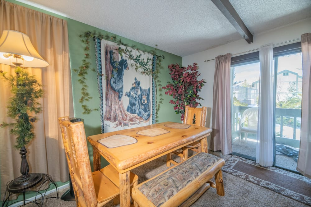 Lejlighed - 2 soveværelser - Spisning på værelset