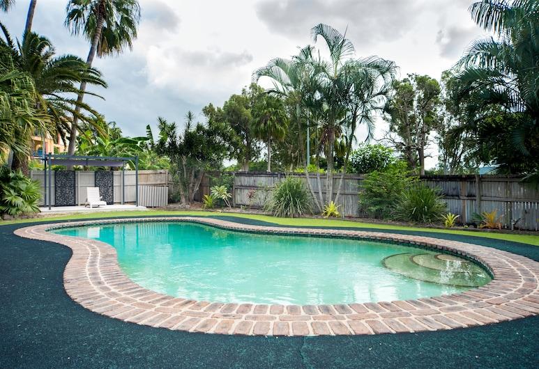Tropical Family Escape, Cannonvale, Pool