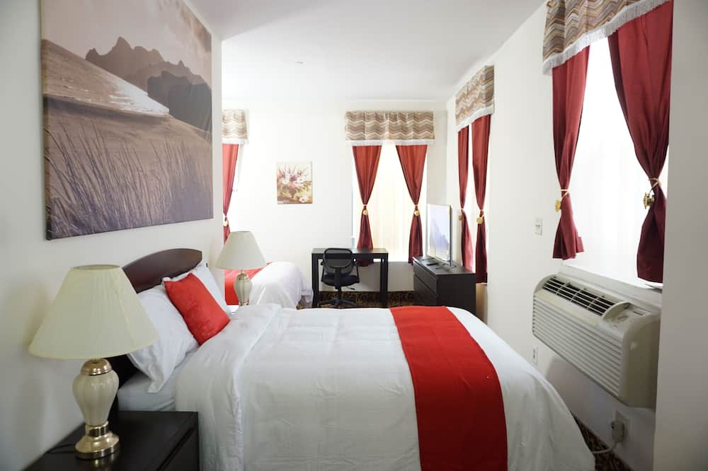 Deluxe Room, 2 Double Beds, Non Smoking, Refrigerator - Guest Room