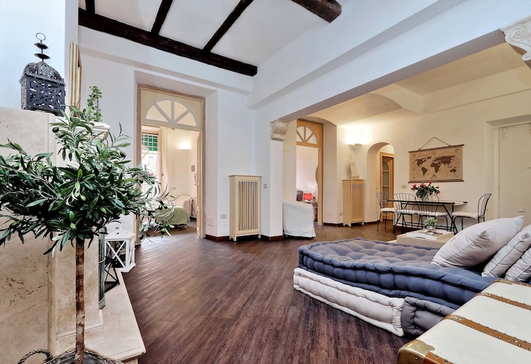 Corso Charme - My Extra Home, Rome, Apartment, Multiple Beds, City View, Living Area