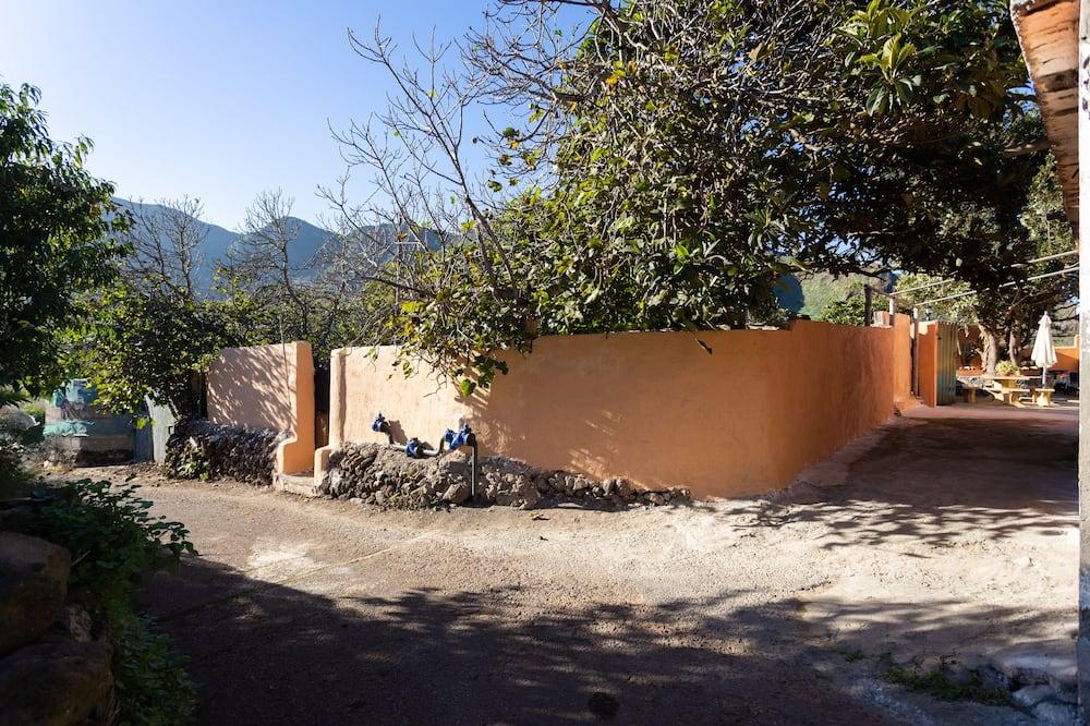 House, 2 Bedrooms - Pemandangan Taman