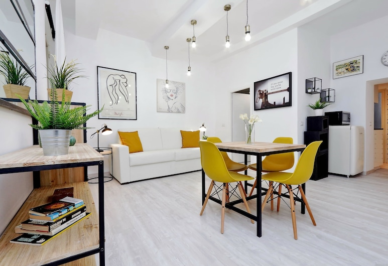 Leonina Charme - My Extra Home, Rome, Apartment, 1 Bedroom, Living Area