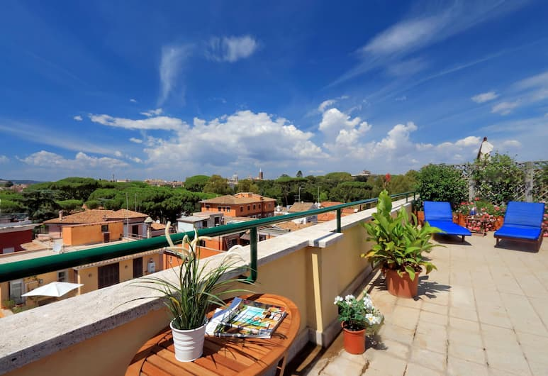 Mecenate Charme - My Extra Home, Rome, Panoramic Apartment, 1 Bedroom, City View, Terrace/Patio