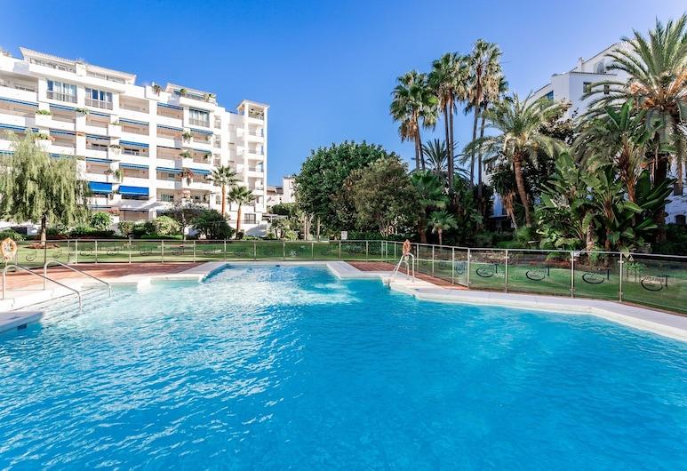 by RIVA - Incredible, Stylish 2 Bed Apt in Puerto Banus Gardens, Marbella, Innendørsbasseng