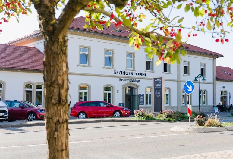 Bahnhof ERZINGEN hotel coffee  & more, Klettgau