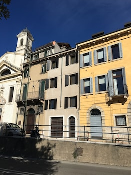Picture of Rivadige Suite in Verona