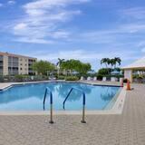 Apartment, 2Queen-Betten (Sands of Marco C-206) - Pool