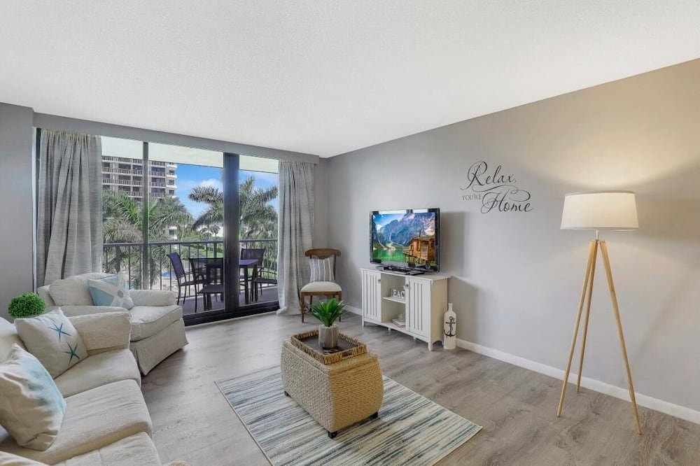 Apartment, Mehrere Betten (South Seas Tower 4-309) - Wohnzimmer