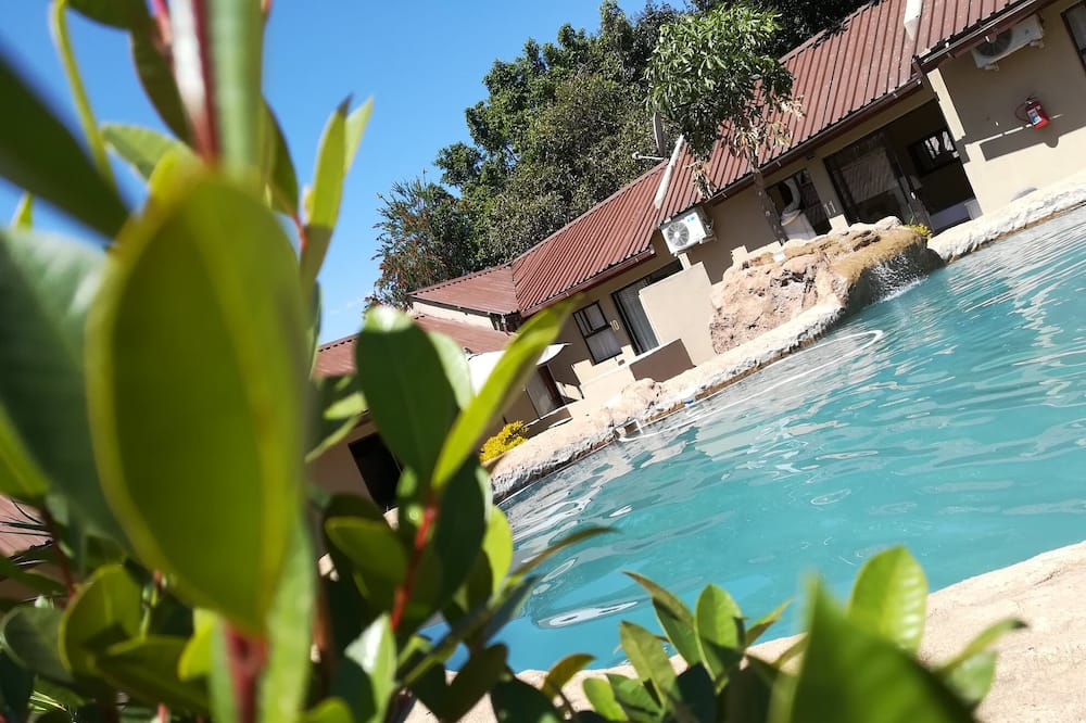 Rand Lodge (The)
