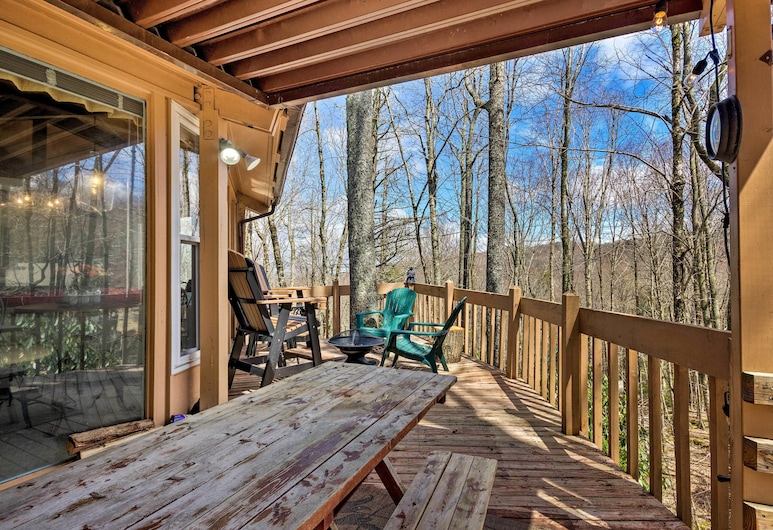 NEW - Tree House at the Beech, Banner Elk, Panoramic House, 2 Queen Beds, Hill View, In-Room Dining