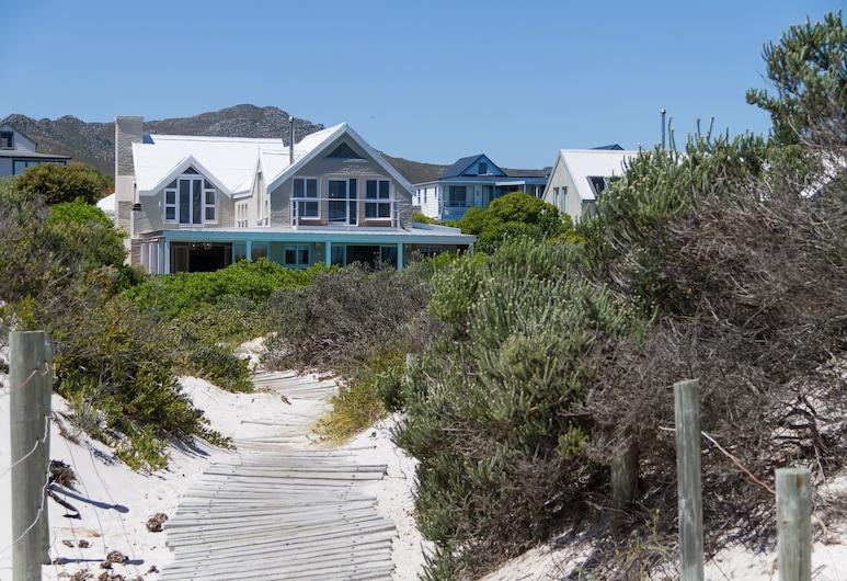 Fin Whale Beach House, Cape Town
