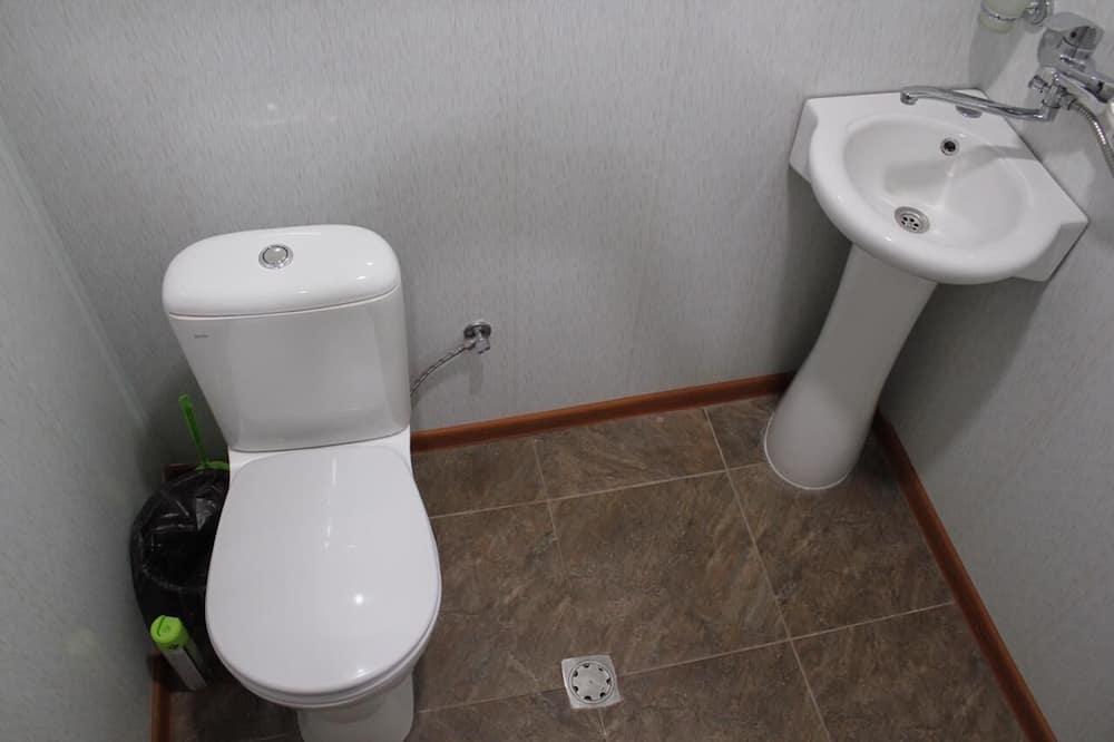 เบสิกอพาร์ทเมนท์ - ห้องน้ำ