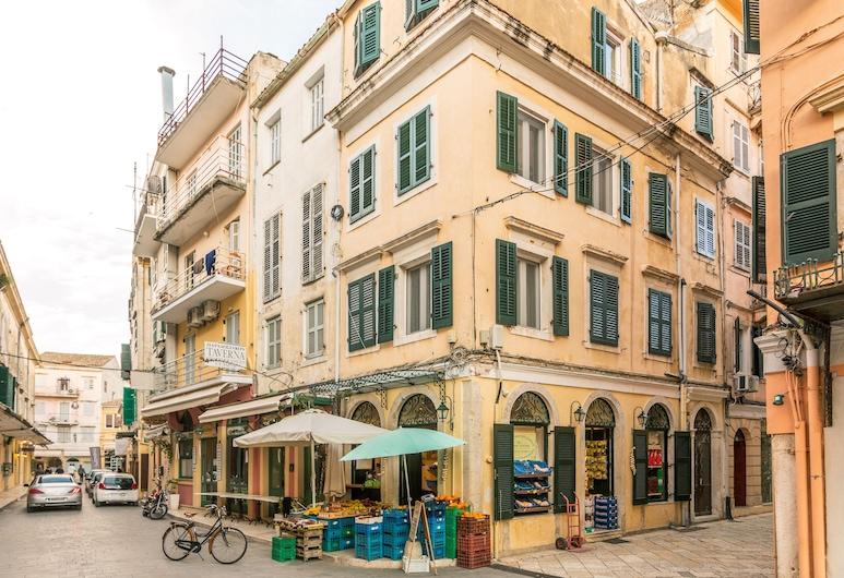 Venetian Reale, Κέρκυρα, Εξωτερικός χώρος