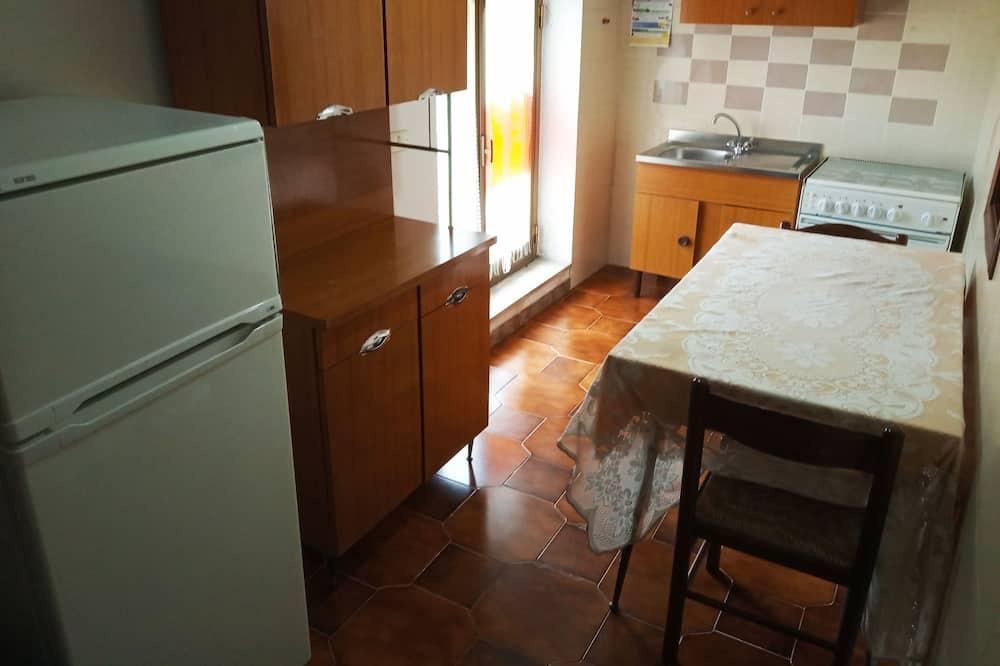 شقة - غرفتا نوم - منظر للجبل - مطبخ مشترك