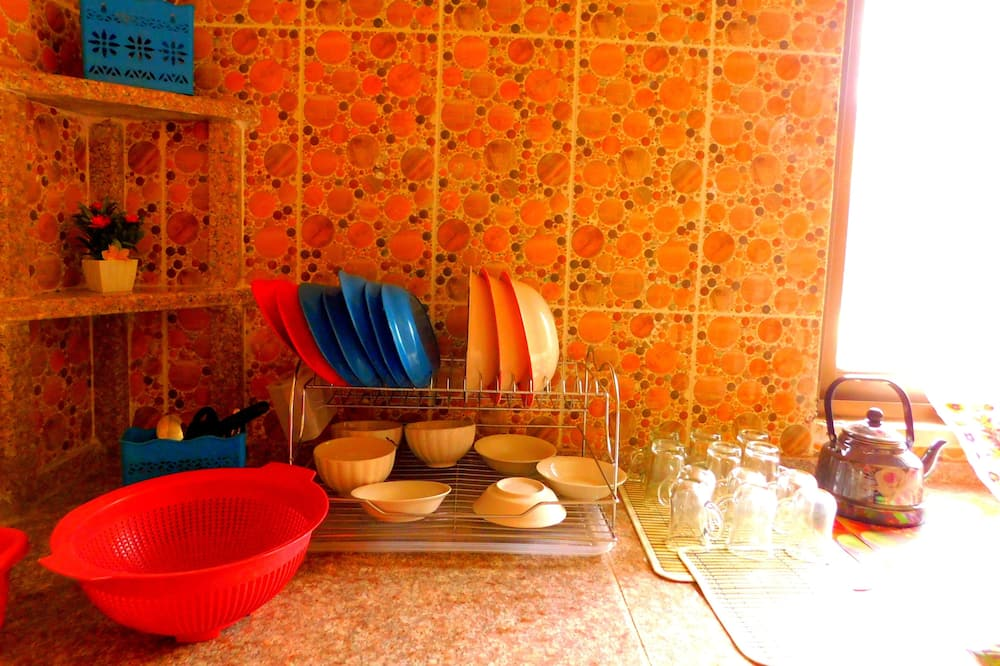 Twin Room - Shared kitchen