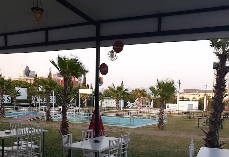 Bulut Park Hotel, Turgutlu, Garden