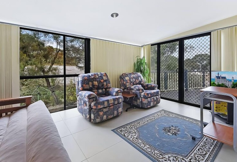 Quandamooka Beach House, Raceview, House, 3 Bedrooms, Living Area