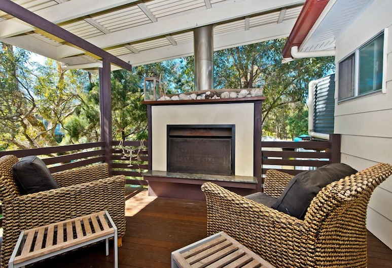 Moreton Magic, Brisbane, Fireplace