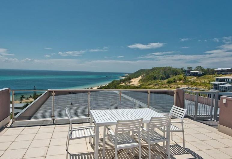 Tangalooma Sea Change, Moreton Island, Ferienhaus, 3Schlafzimmer (2 Queen, 2 Tri-bunk, 1 Double Sofabed), Balkon
