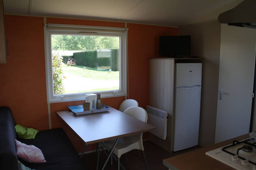 Mobile Home, 2 Bedrooms - In-Room Dining