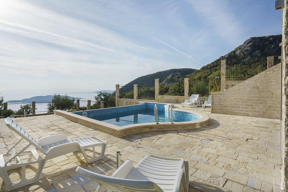 Paaugstināta komforta villa - Privātais baseins