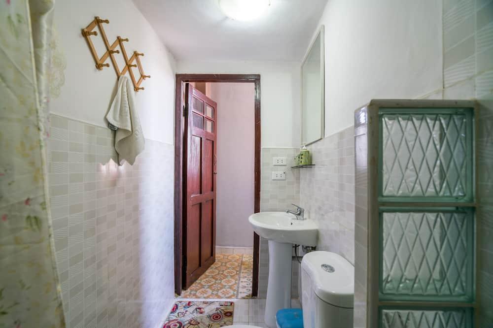 아파트, 킹사이즈침대 1개, 바다 전망 - 욕실