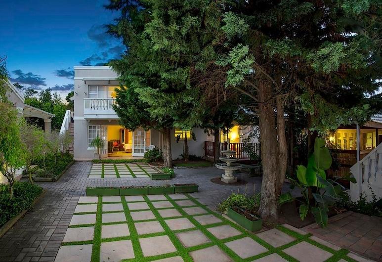 Heugh Road Guest House, Port Elizabeth, Garden