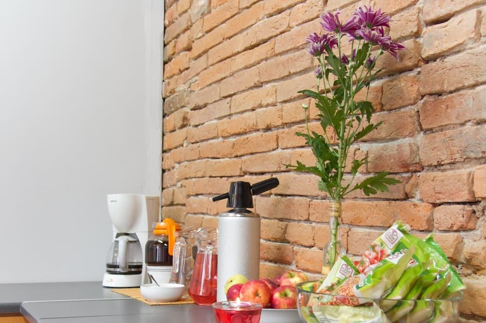 غرفة اقتصادية - مطبخ مشترك