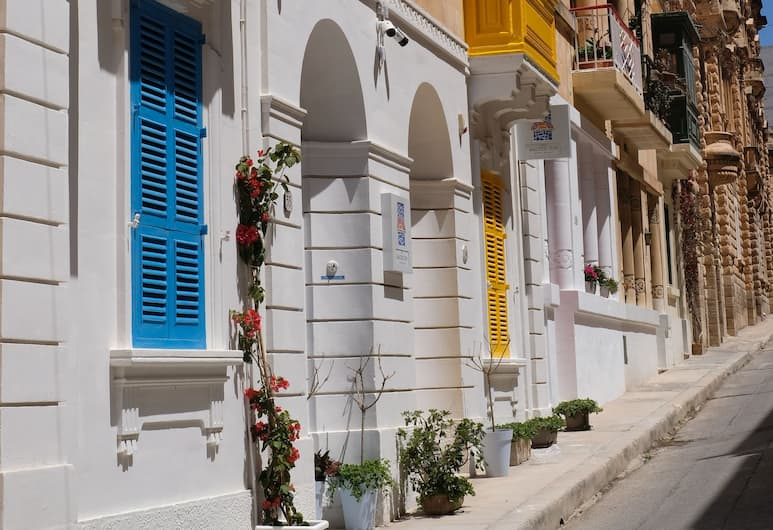 The Maltese Sun, Sliema, Bilik Tamu