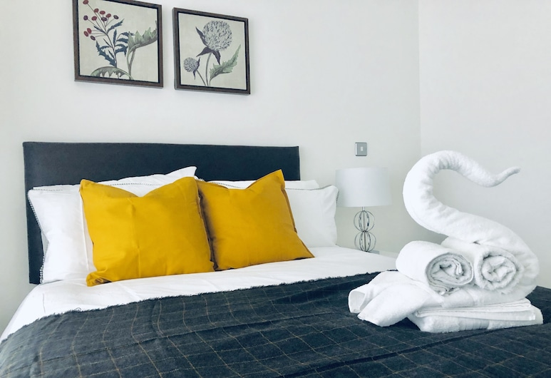 Snapos Luxury Serviced Apartments Shield House, Sheffield, Deluxe Apartment, Shared Bathroom, Room