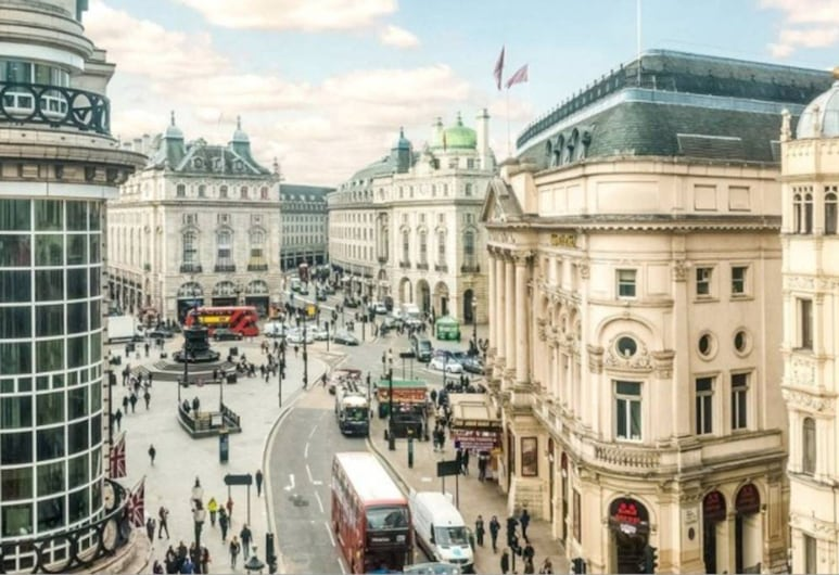 1 Bedroom Flat With Panoramic View of Piccadilly Circus, London, Exterior