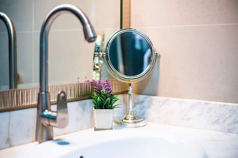 VIP Room - Bathroom Sink